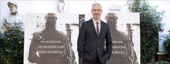 "Roland Emmerich, director de ""Anonymous"", dice que Shakespeare fue ""un impostor"""