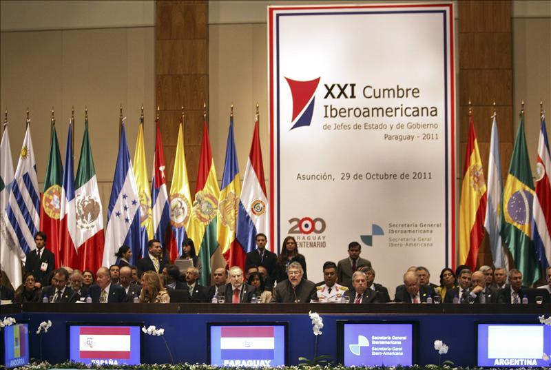 Los líderes iberoamericanos firman la Declaración de Asunción