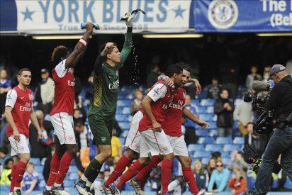 El Chelsea se estanca ante un Arsenal resucitado y el City consolida su liderato