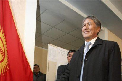 Kirguizistán elige su tercer presidente después de derrocar a los dos primeros