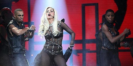 Lady Gaga hace que los hombres esperen antes de dejarles hacer el amor