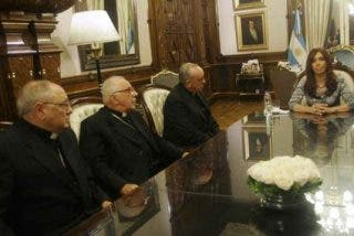 Bergoglio felicita por carta a la presidenta argentina recién elegida