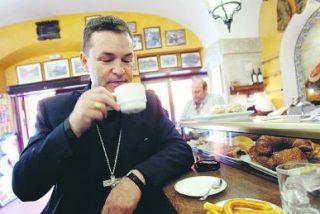 Berzosa: «A la Iglesia le sobre mucha parafernalia»
