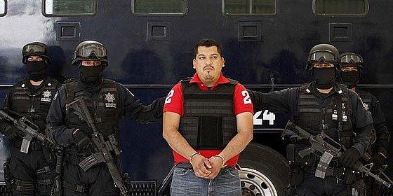 La red de piratas cibernéticos Anonymous reta a los Zetas asesinos