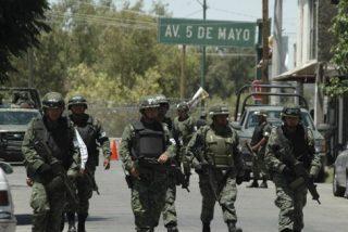 El Ejército mexicano libera a 61 esclavos del narco en la frontera de Texas