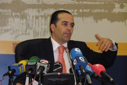 El Ayuntamiento saca a concurso bancario los 6,5 millones de euros que le debe la Junta