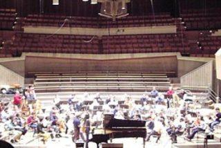 La Filarmónica de Berlín pone música a la teología de Hans Küng