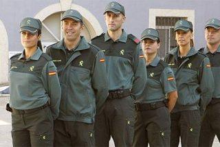 Tres inmigrantes iban de polizones en el barco de la Guardia Civil