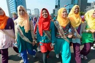 Islam: Una guía sexual para esposas musulmanas alienta el placer en grupo
