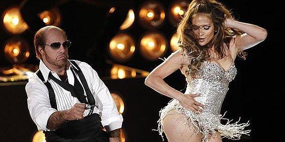 A la maciza Jennifer López se le cae el pelo en pleno concierto