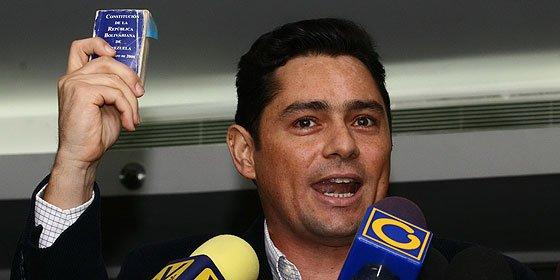 """L. López: """"Venezuela no puede depender de la salud de Chávez"""""""