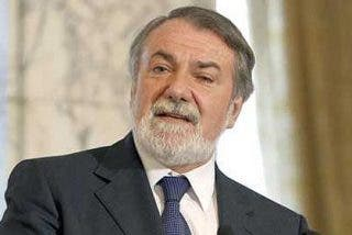 """Mayor Oreja : """"ETA volverá a las andadas si las cosas no le salen"""""""