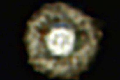 Los astrónomos descubren la extraña nebulosa del Huevo frito