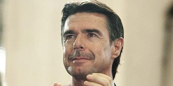 Obligan a pasar control de pasaportes a los canarios al llegar a Madrid