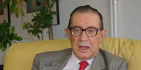 """Juan Velarde: """"Si el PP no nos saca, acabaremos como en Argentina"""""""