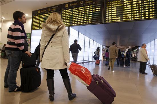 """Bruselas espera que el certificado COVID esté """"totalmente operativo"""" a finales de junio"""
