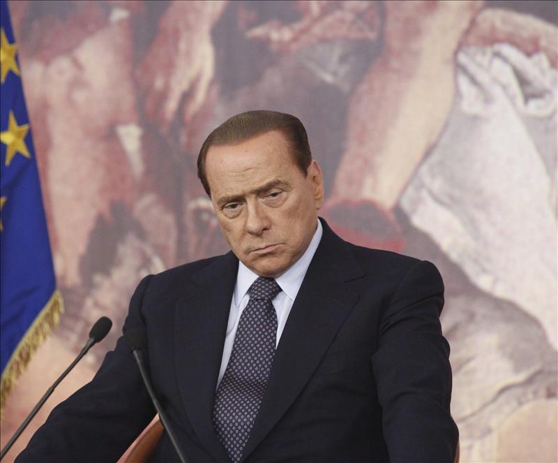 Berlusconi propone que las elecciones anticipadas se celebren en febrero y anuncia que él no se presentará