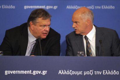 Los principales partidos políticos descartan nombrar primer ministro a Papademos