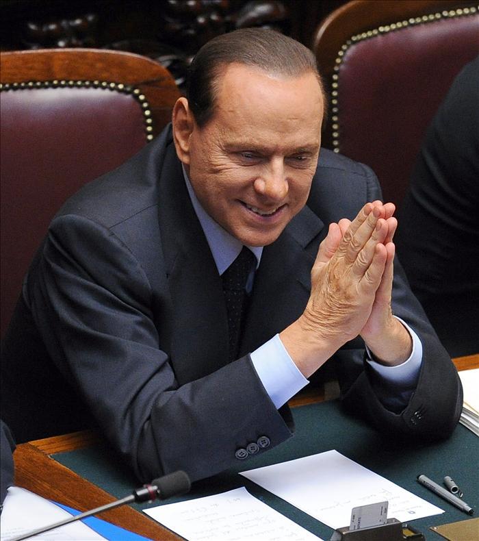 Berlusconi propone que las elecciones anticipadas se celebren en febrero