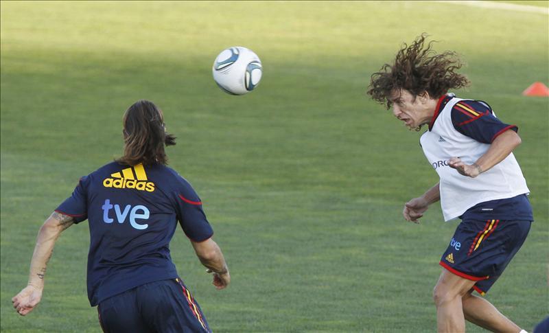 Fútbol: demasiados cabezazos 'pueden dañar el cerebro' del futbolista