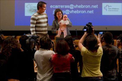 Operan con éxito en Vall d'Hebron a un feto de 24 semanas con espina bífida