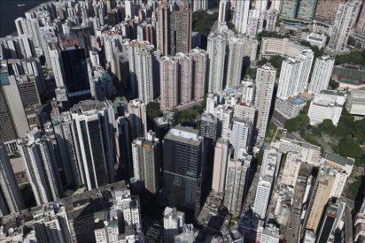 El índice Hang Seng bajó 280,18 puntos, 0,98% a media sesión hasta 19.540,28