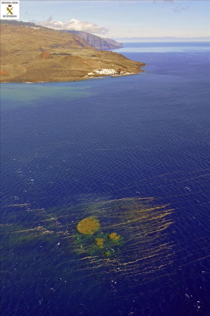 Interior alerta al Comité de Riesgo Volcánico por la situación en El Hierro