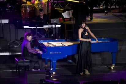 La cantante Natalia Jiménez participa en un programa televisión de Puerto Rico