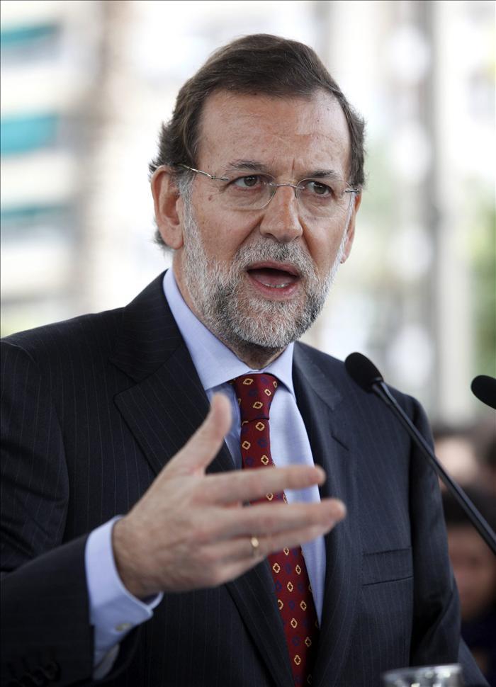 """Rajoy dice que meterá """"la tijera a todo salvo a las pensiones, sanidad y educación"""""""