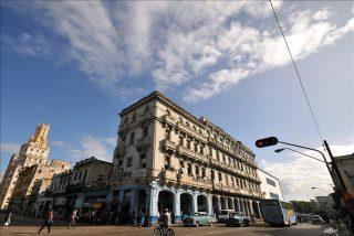 Los cubanos acogen la compraventa de viviendas con optimismo pero con muchas dudas
