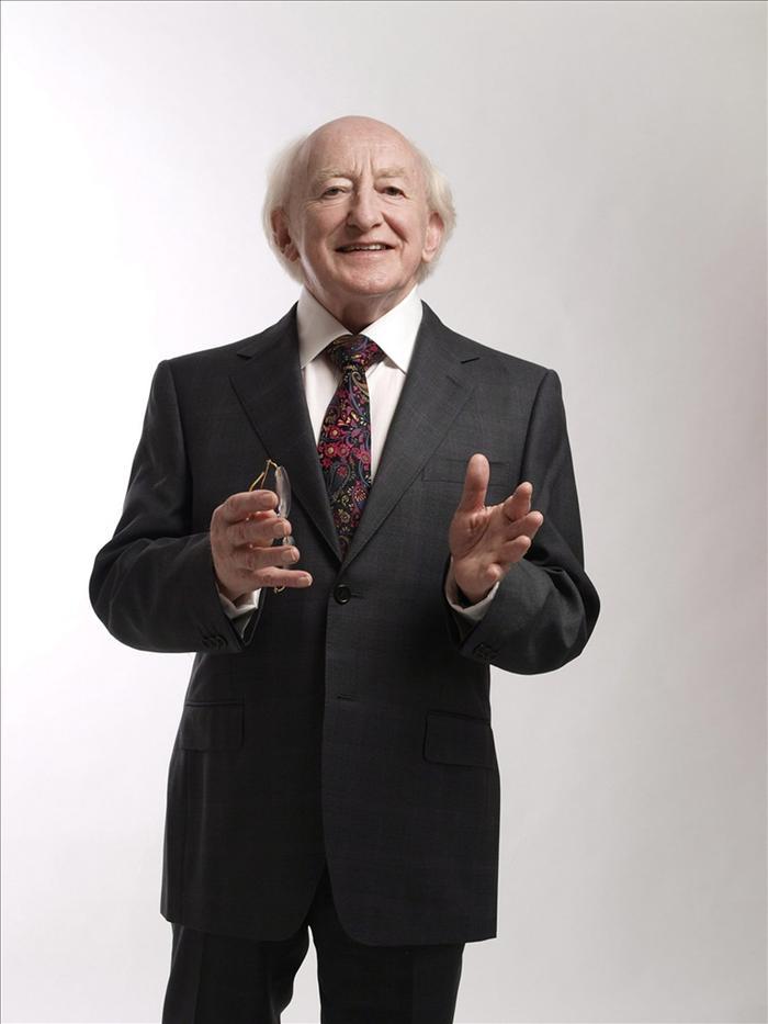 Michael D. Higgins se convierte en el noveno presidente de Irlanda