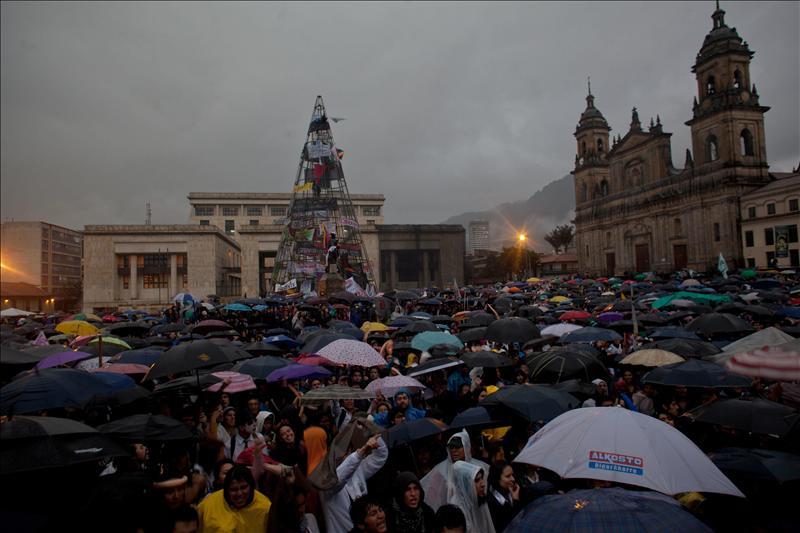 Santos zanja el conflicto de los estudiantes con la retirada del proyecto de la reforma