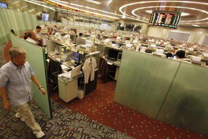 El índice Hang Seng sube el 2,4 por ciento a media sesión
