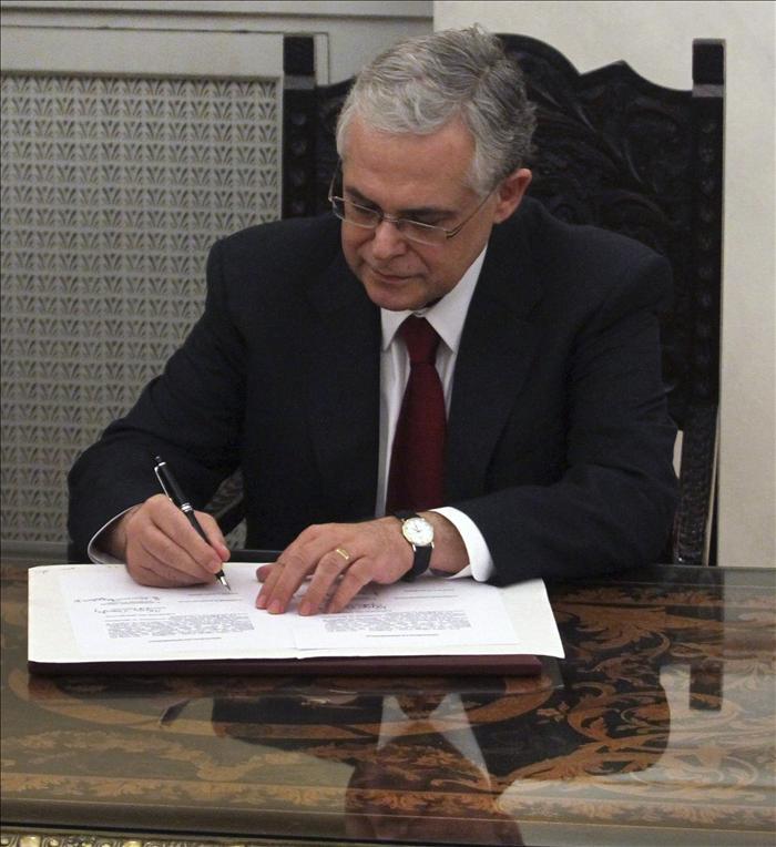 Papadimos inicia hoy su gestión al frente del gobierno de unidad