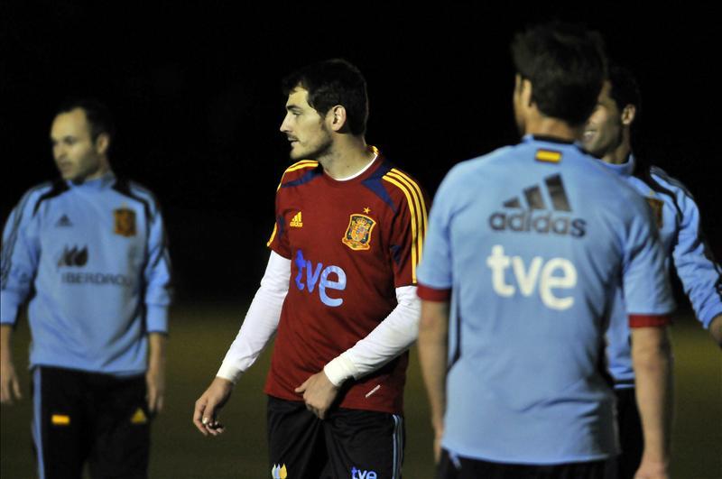 España entrena por primera vez en Costa Rica ante la mirada de los aficionados