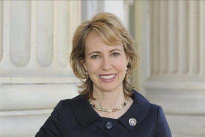 La congresista de EEUU tiroteada en la cabeza habla por primera vez del suceso