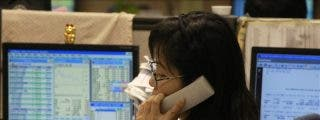 El índice Hang Seng bajó 212,65 puntos el 1,09 por ciento a media sesión