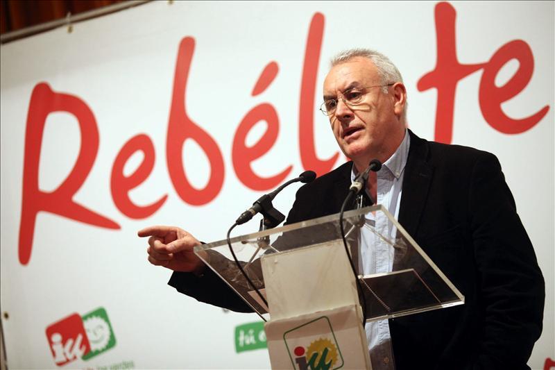"""Lara a Rajoy que IU no admitirá que los ciudadanos paguen """"el marrón de una cuadrilla de sinvergüenzas"""""""