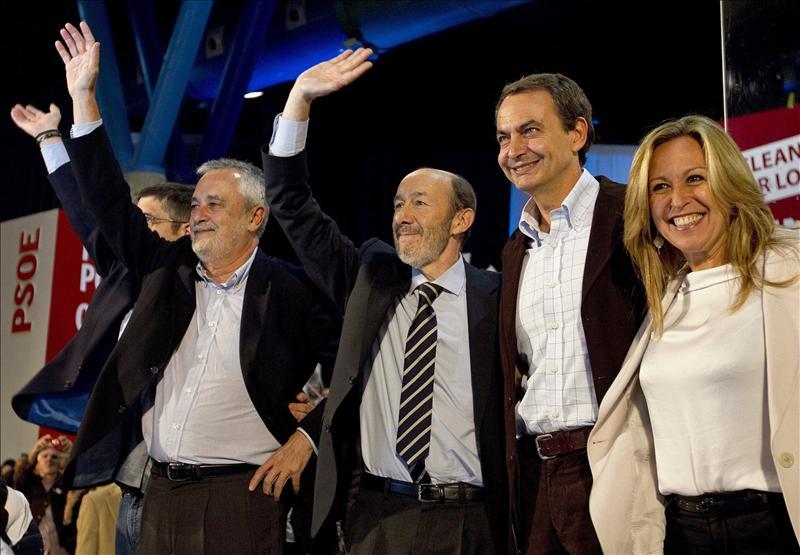 Rubalcaba exhibe el patriotismo de Zapatero y clama para frenar al PP el 20N