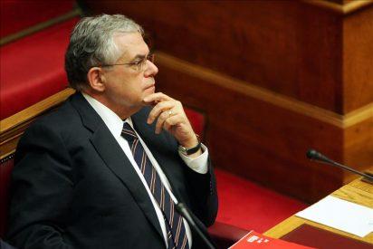 Grecia tramita su presupuesto bajo la mirada de los prestamistas exteriores