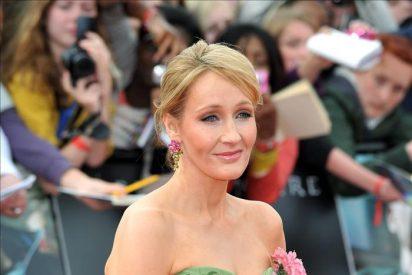 La escritora JK Rowling y la actriz Sienna Miller declaran por las escuchas de la prensa británica