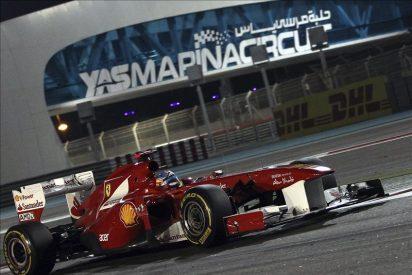 Button, Alonso y Webber pelean por el subcampeonato en la última carrera