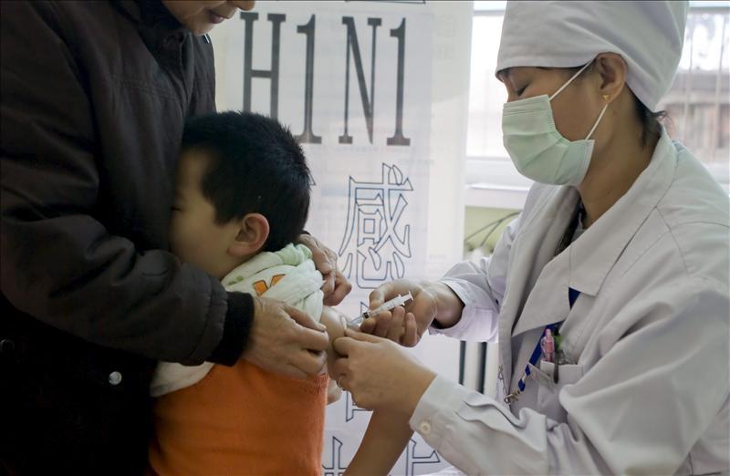 Decenas de niños chinos infectados de hepatitis por el mal uso de jeringas