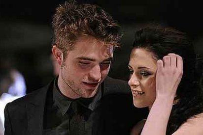 Robert Pattinson y Kristen Stewart se pelean en el estreno de 'Amanecer'