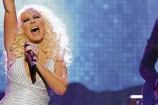 Christina Aguilera come de todo y se ha vuelto a poner como un tonel