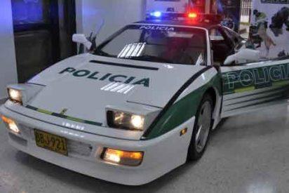Colombia tunea el Ferrari de un narco y lo hace patrulla policial