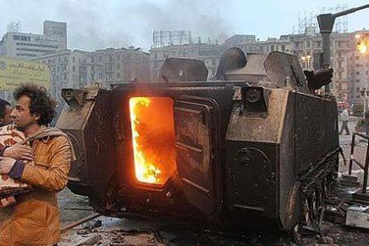 Al menos 20 muertos al cargar el Ejército en la plaza Tahrir de El Cairo