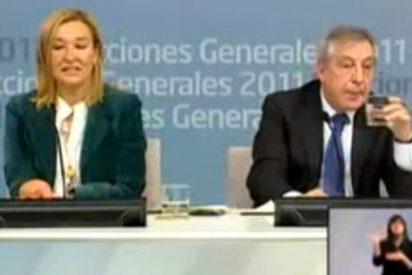 Papelón y ridículo de Félix Monteira ante una pregunta en inglés