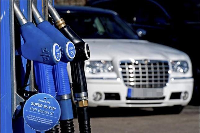 El litro de gasóleo cuesta ya más que el de gasolina