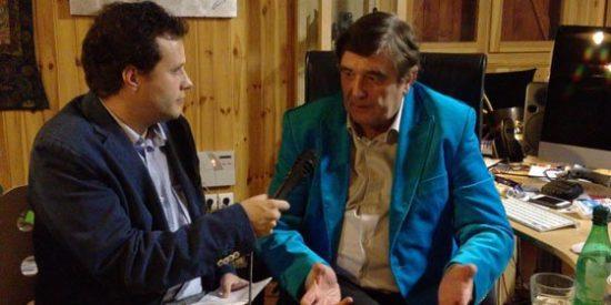 """Julián Ruiz (El Mundo): """"Pellegrini es un pobre hombre. Es el típico chileno o argentino que se vende bien y no vale nada. En el Cono Sur son muy parecidos"""""""